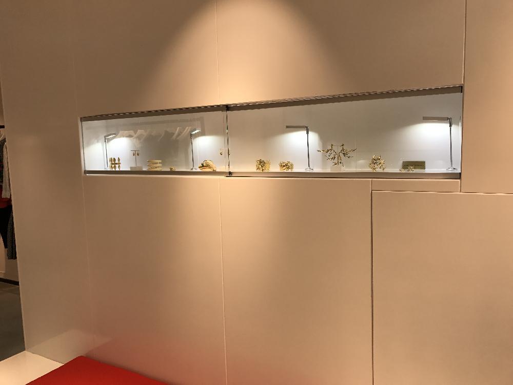 Miroirs et vitrines boutique anne deauville for Boutique miroir