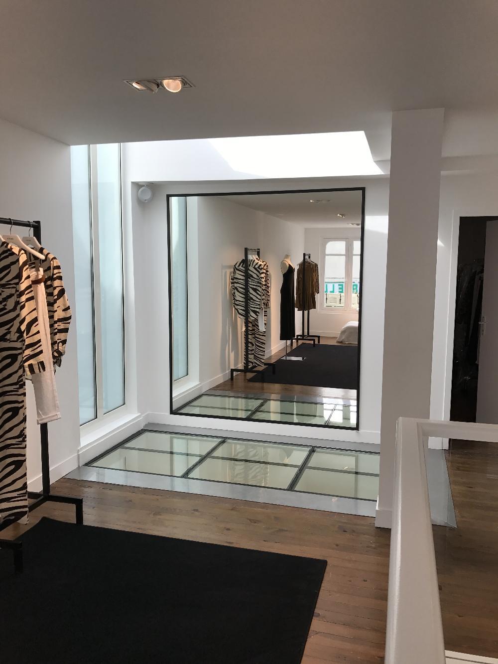 Miroirs et vitrines boutique ANNE - Deauville