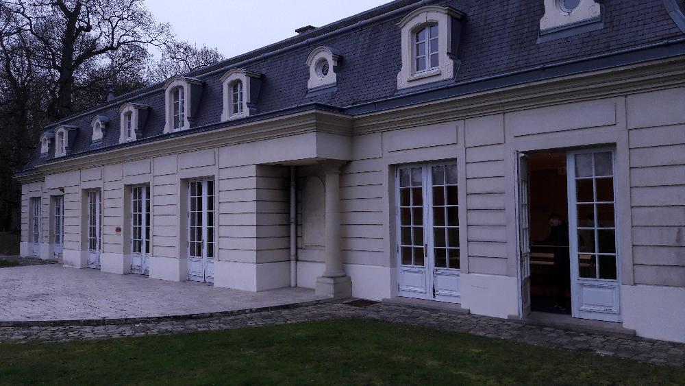 Remplacement de porte-fenêtres en bois au Château de Behoust - Yvelines
