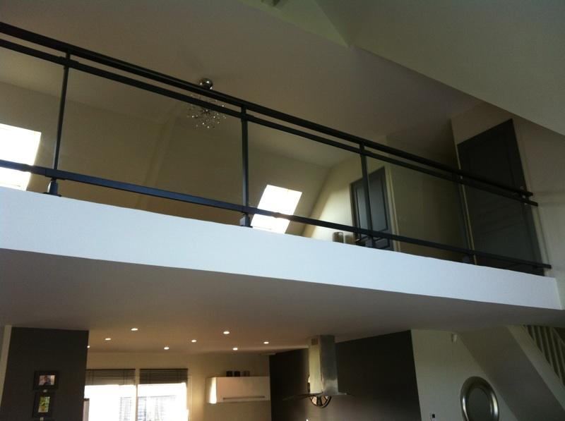 Garde-corps dans une maison contemporaine - Caumont