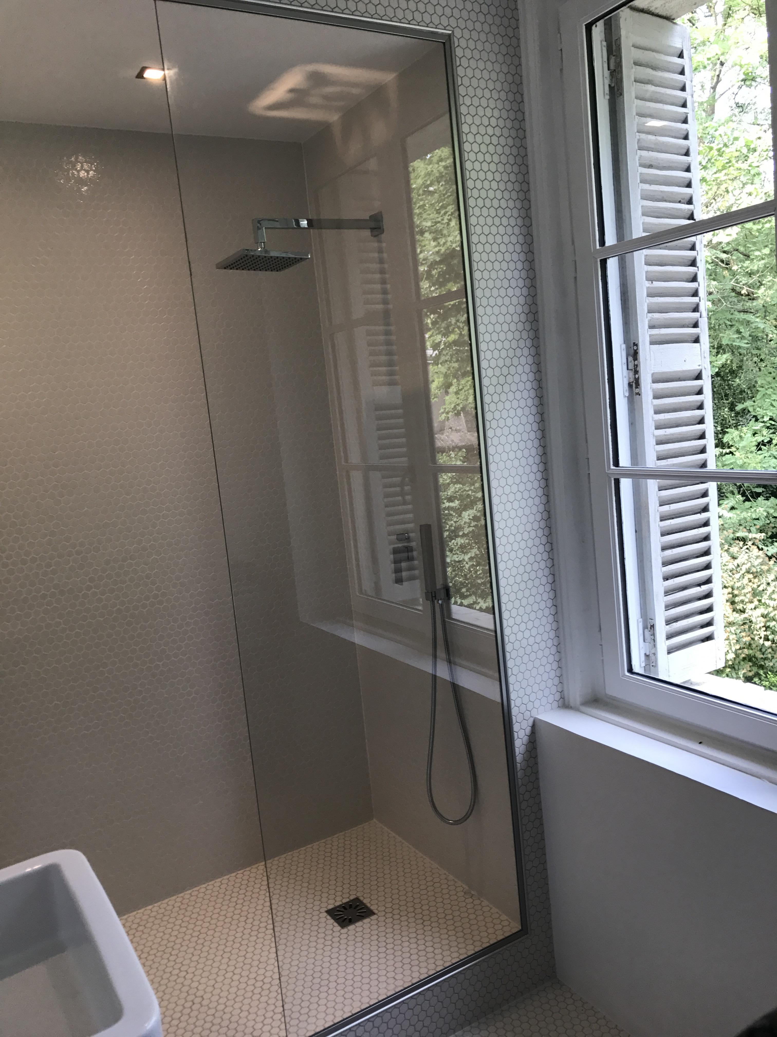 Pose d'une paroi de douche à Bonsecours