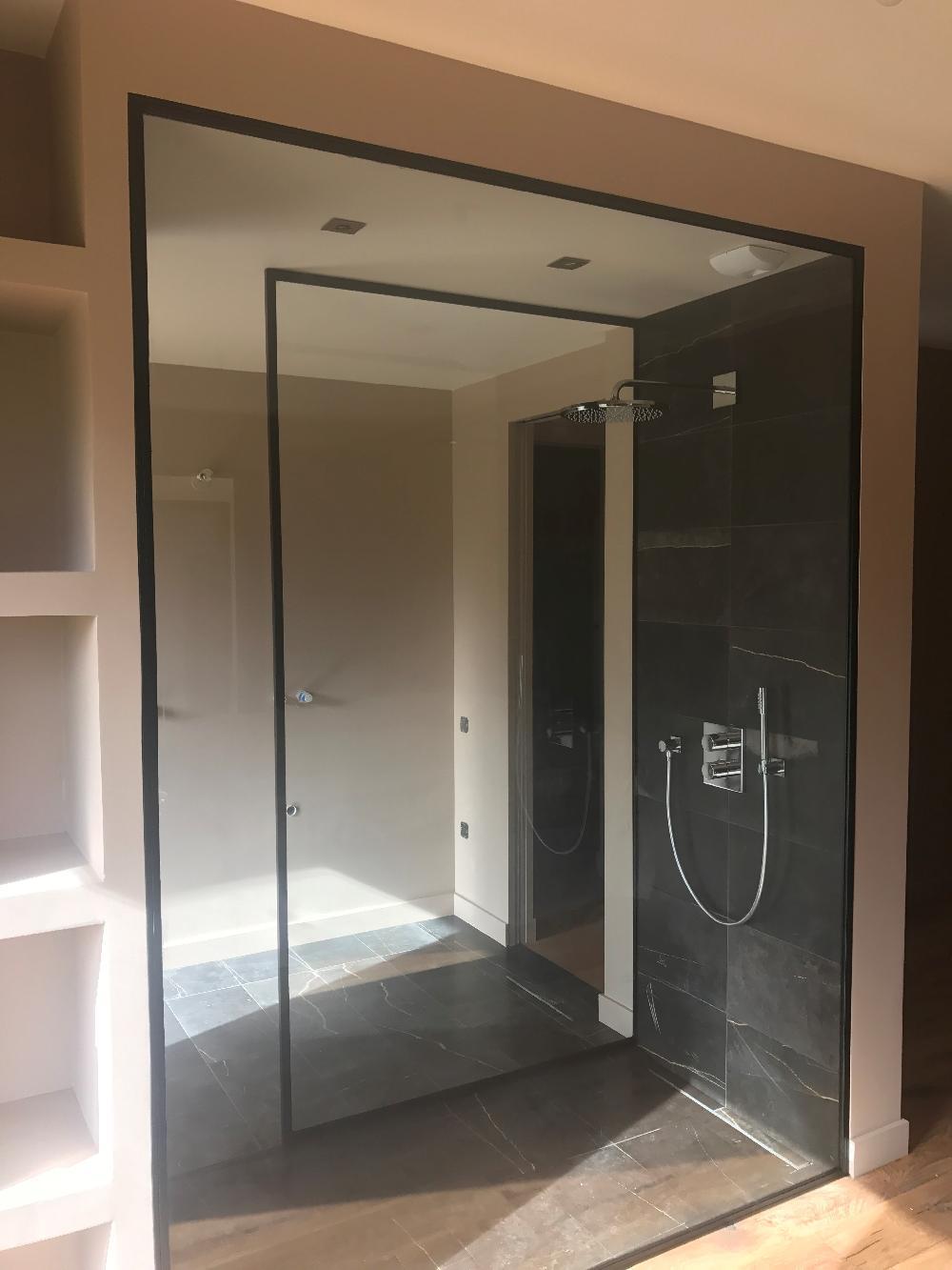 paroi de douche isneauville. Black Bedroom Furniture Sets. Home Design Ideas