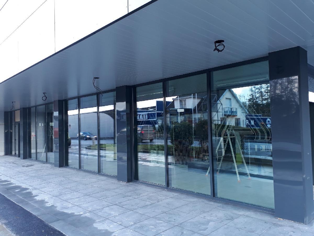 Installation de châssis fixes au magasin ALDI de Neufchâtel en Bray