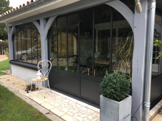 Rénovation d'une véranda dans un style atelier à La Londe
