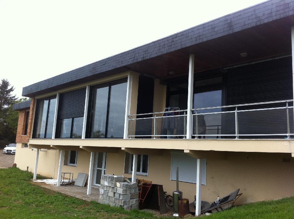 Menuiseries Aluminium sur villa vitrée - Freneuse