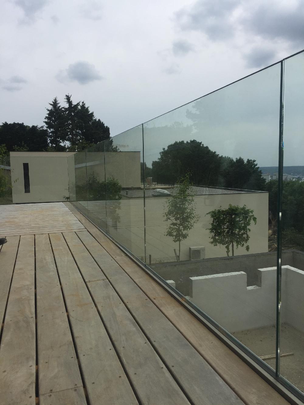 Garde-corps extérieur en verre - Mont Saint Aignan
