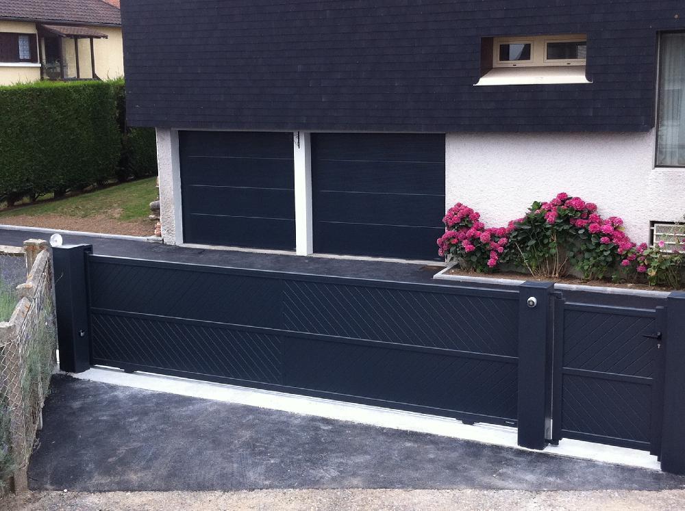 Rénovation d'un portail et d'une porte de garage à Caudebec lès Elbeuf