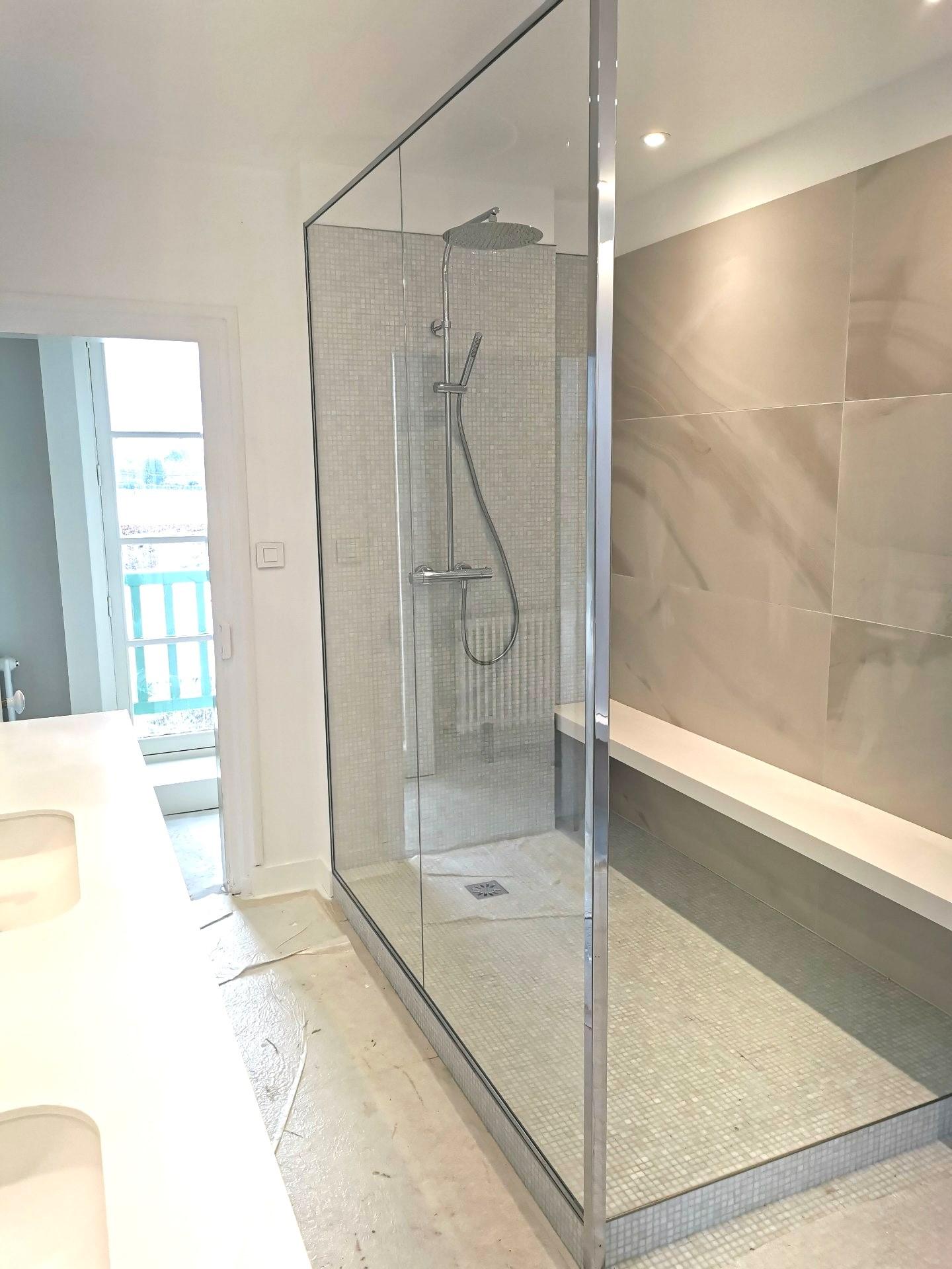 Paroi de douche sur mesure près de Rouen