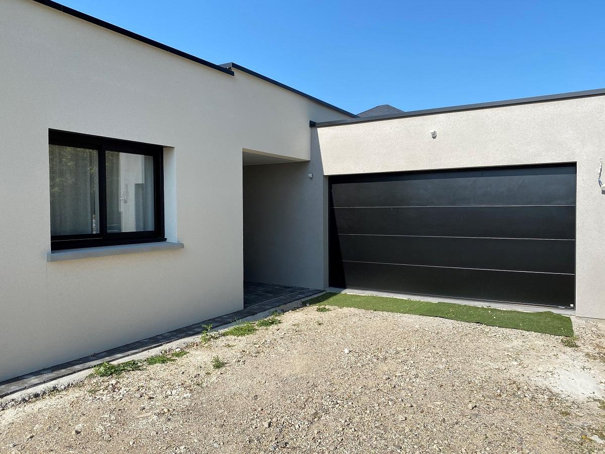 Porte de garage moderne sur mesure