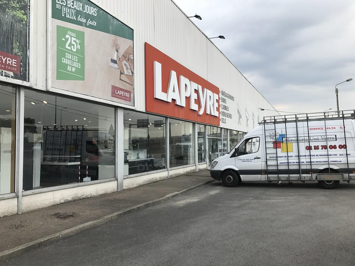 Réparation vitrine du magasin Lapeyre à Rouen