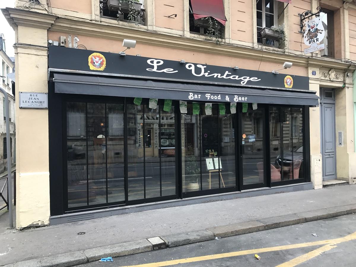 Rénovation de la façade d'un bar à Rouen